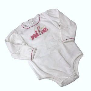🧚♀️4/$25 NIKE BABY Onsie 24 Months